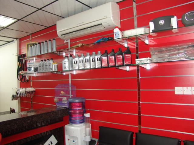 Leon Auto Spare Parts Sharjah Auto Dealers Gt Auto Parts And Accessories Uaeshops Com