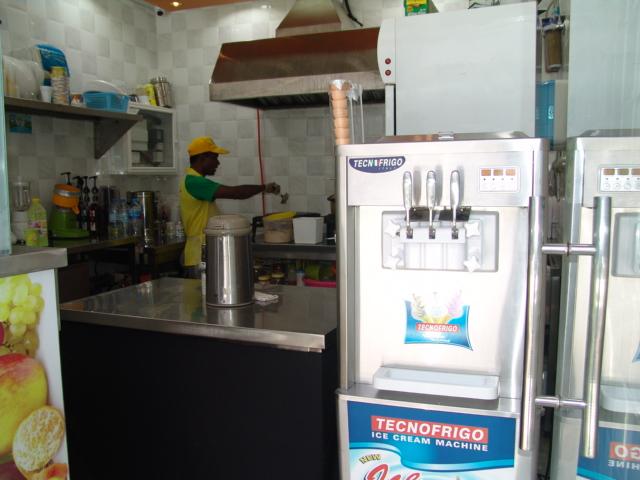Saman Wa Raqaq Cafeteria - DSC00555.JPG