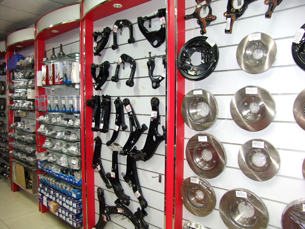 Al Safwa International Autu Spare Parts - 4.jpg